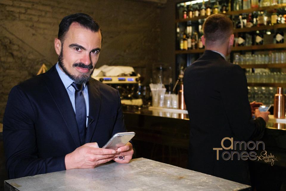 Salvador Nunez, AmonTones, vlogger, moda para hombres, trajes de hombre