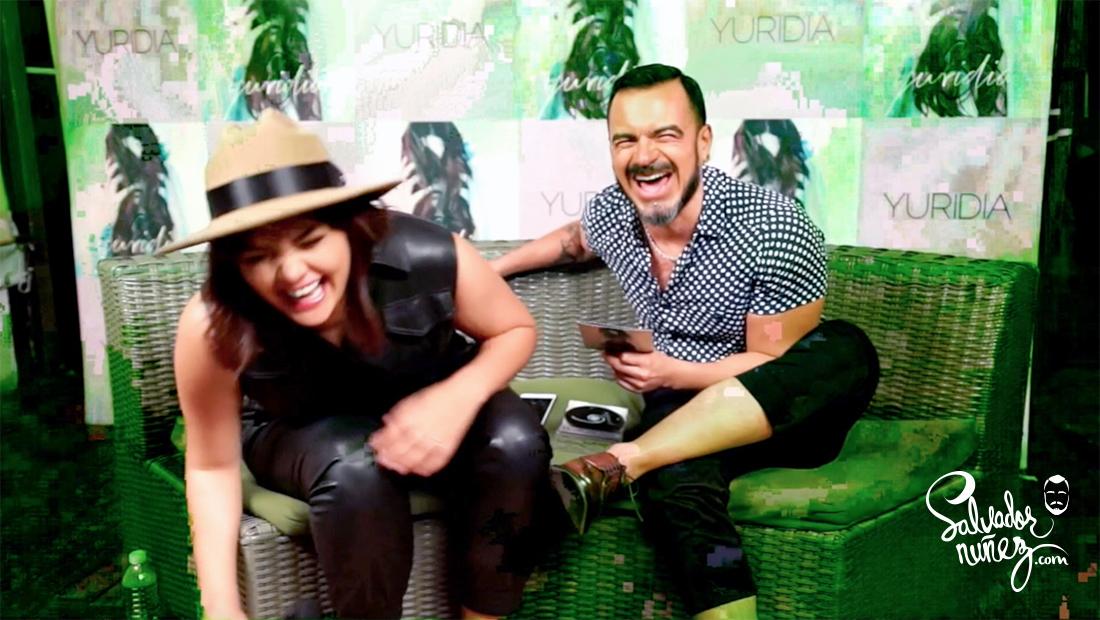 Salvador Nunez entrevista e Yuridia. ya es muy tarde