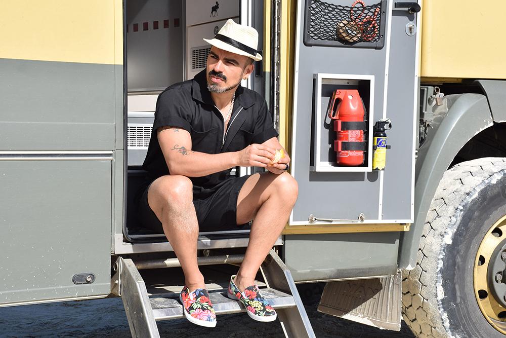 salvador nunez, turismo lgbt, moda para hombres cuarentones, treintones en la playa